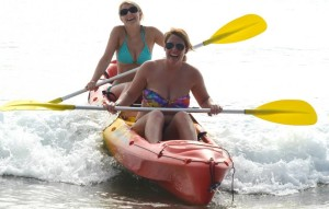 1770 castaway kayaking girls